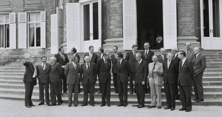 Gruppefoto af stats- og regeringscheferne til topmødet i Bruxelles.