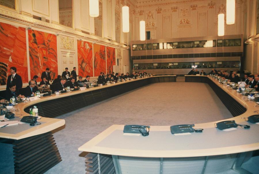 Mødelokalet til EU-topmødet i Wien.