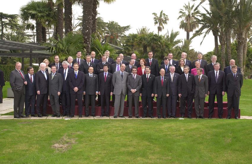 Gruppebillede fra EU-topmødet i Barcelona