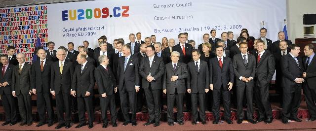 Stats- og regeringscheferne samlet til EU-topmødet.