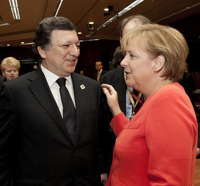 Jose Manuel Barroso og den tyske kansler Angela Merkel til EU-topmødet.