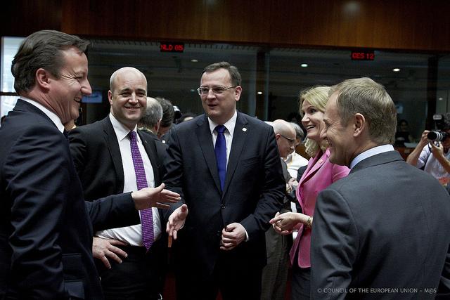 Fra højre: David Cameron, premierminister i Storbritannien, Fredrik Reinfeldt, statsminister i Sverige, Petr Necas, premierminister i Tjekkiet, Helle Thorning-Schmidt, statsminister i Danmark og Donald Tusk, premierminister i Polen.