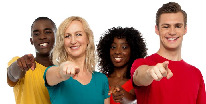 Fire personer der peger, der skal symbolisere dine rettigheder.