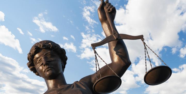 Statuen af retfærdighed.