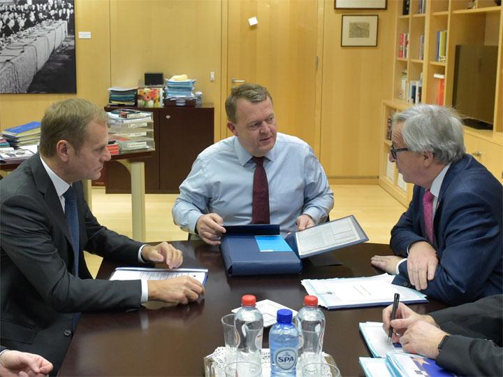 Statsminister Lars Løkke Rasmussen til et forudgående møde med formanden for Det Europæiske Råd, Donald Tusk (tv), og formanden for Europa-Kommissionen Jean-Claude Juncker. Foto. Rådet