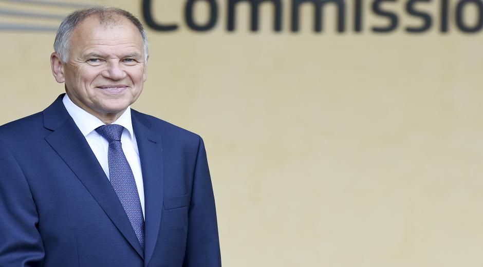 Vytenis Andriukaitis – Litauen – Kommissær for sundhed og fødevaresikkerhed. Denne kommissærpost har ansvaret for at modernisere og simplificere EU's fødevarepolitik og samtidig sikre det høje kvalitet- og sikkerhedsniveau.