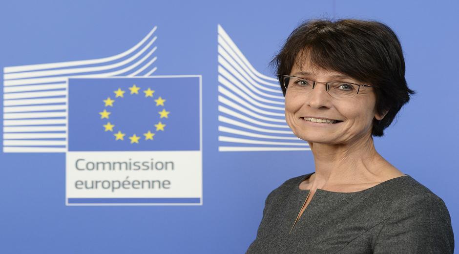 Marianne Thyssen - Belgien – Kommissær for beskæftigelse, sociale anliggender og arbejdsmarkedsforhold. Denne kommissærpost har ansvaret for at sikre en velfungerende beskæftigelse- og socialpolitik.