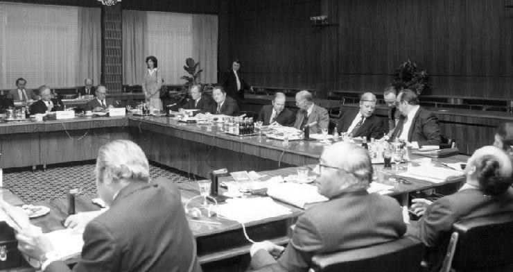 Fra topmødet i Luxembourg. Heriblandt den danske udenrigsminister, Kjeld Olesen, og den danske statsminister, Anker Jørgensen.