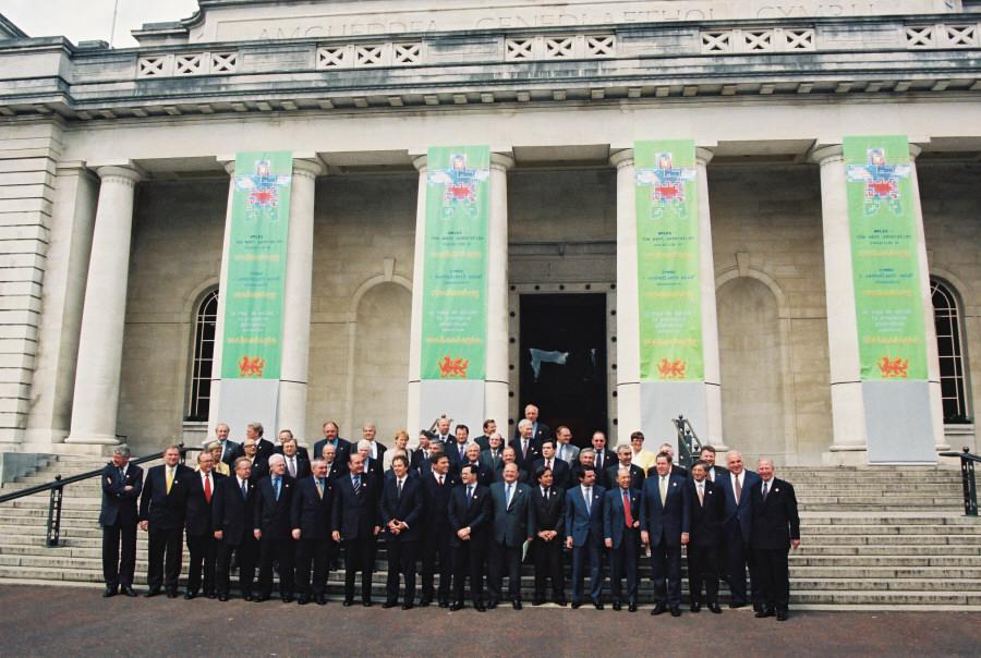 Gruppefoto ved EU-topmødet i Cardiff