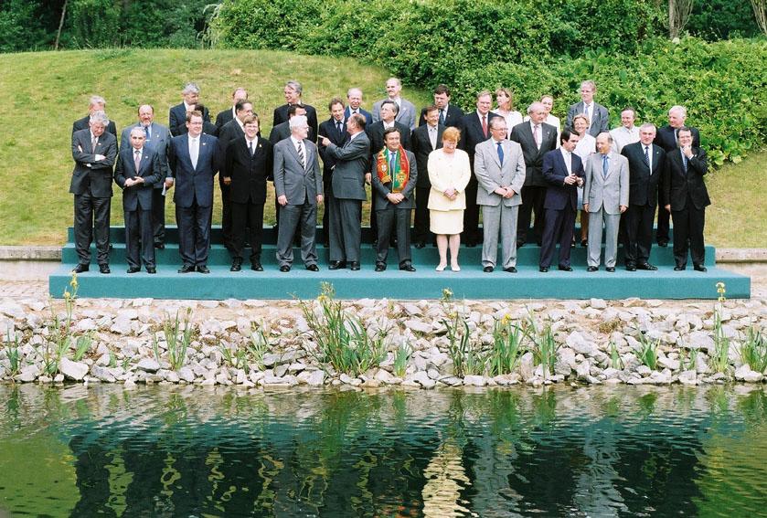 Gruppebillede af stats- og regeringscheferne til EU-topmødet i Feira