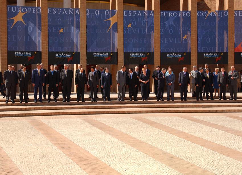 Gruppebillede fra EU-topmødet den 21. og 22. juni 2002 i Sevilla