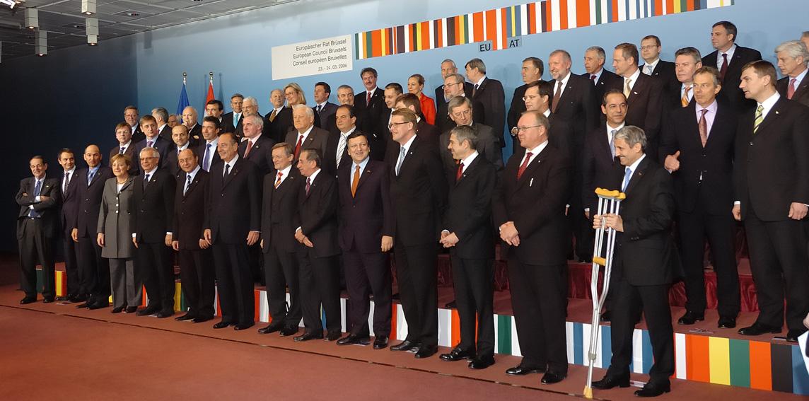 Gruppebillede af stats- og regeringscheferne ved EU-topmødet.