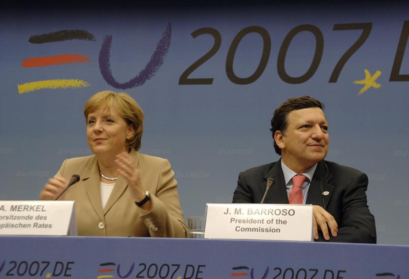 Angela Merkel og José Manuel Barroso til EU-topmødet.
