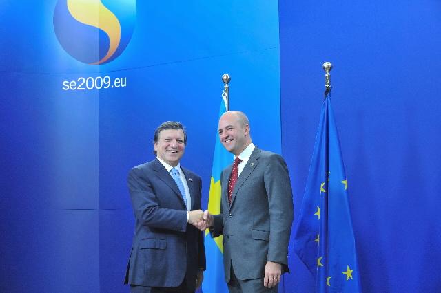 Formanden for Europa-Kommissionen, José Manuel Barroso og den svenske statsminister, Fredrik Reinfeldt til EU-topmødet under svensk formandskab.
