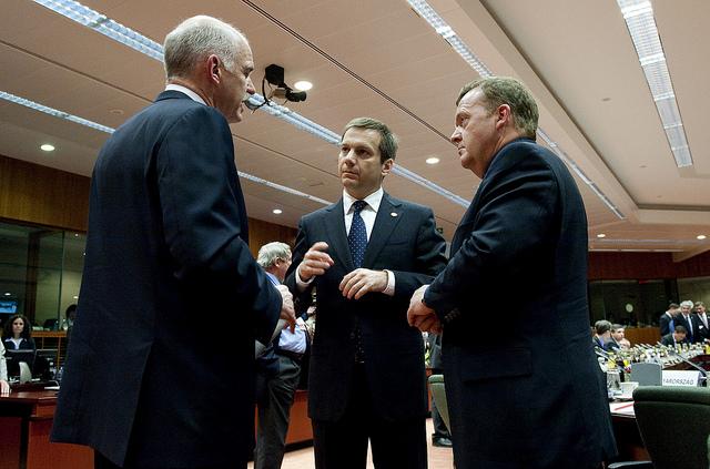 Græske Papandreou, ungarske Bajnai og den danske statsminister Lars Løkke Rasmussen taler ved EU-topmødet.