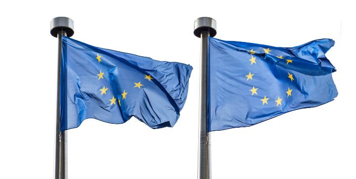 EU flag blafrer i vinden