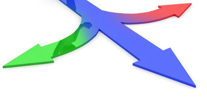 Tre pile der peger i forskellige retninger.