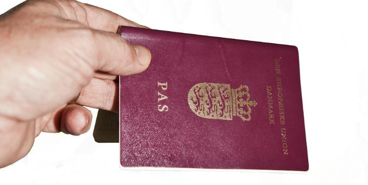 Et dansk pas.