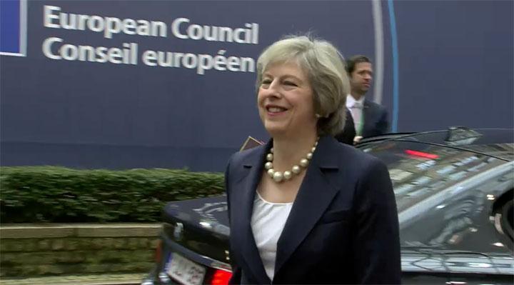 Den britiske premierminister Theresa May ankommer til EU-topmødet. Foto: Rådet.